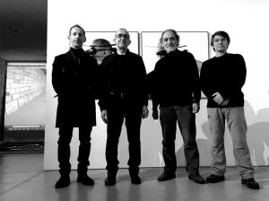 """Os operadores dos """"drones"""" e Silvestre Pestana — com Jorge Costa, Silvestre Pestana, Joao Lafuente e Pedro Ramajal em Espaço MIRA."""